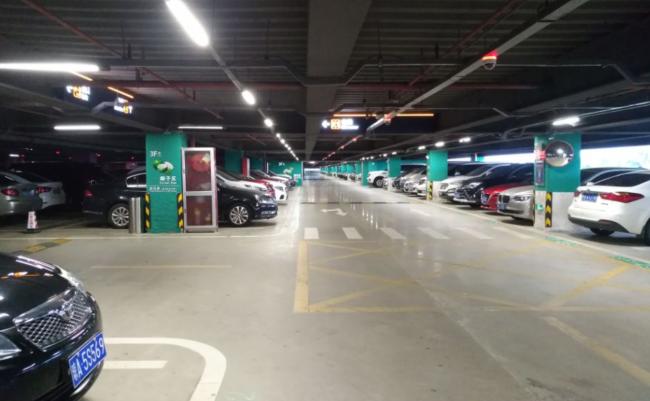 万博竞彩客户端下载机场停车楼