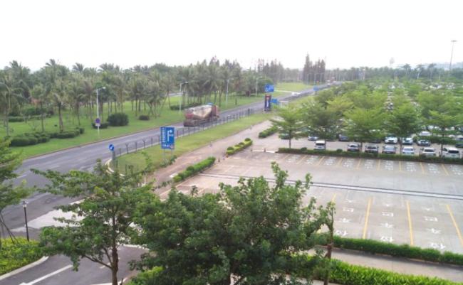 万博竞彩客户端下载机场万博体育下载网站 露天停车场